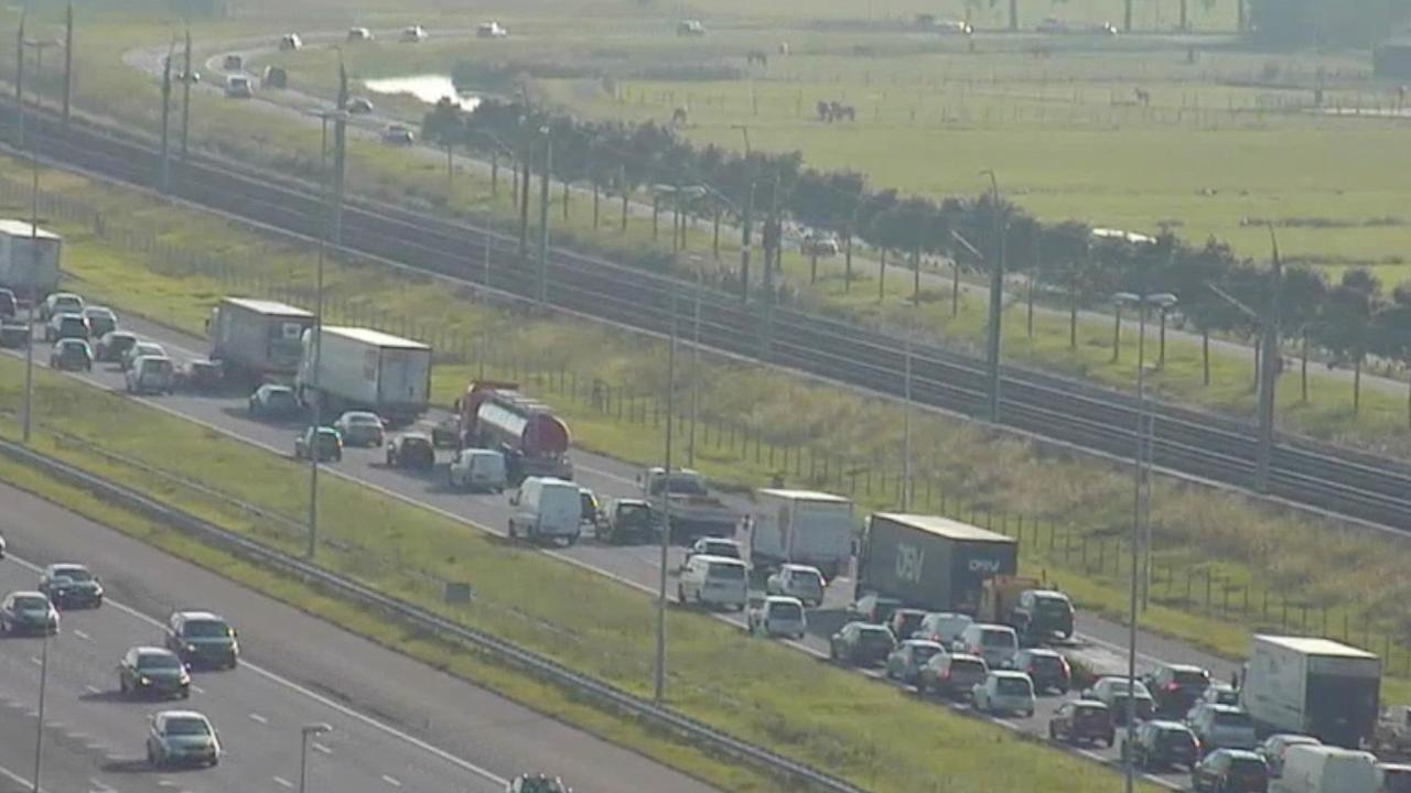 Ongelukken op A4 zorgen voor problemen op wegen bij Leiden