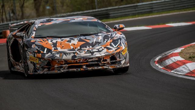 Lamborghini pakt ronderecord Nürburgring met Aventador SVJ