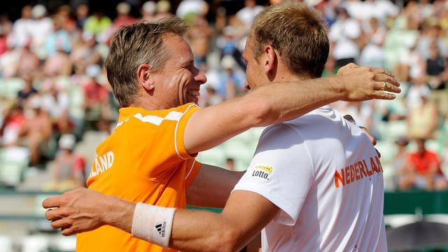 Davis Cup-team leidt na zege De Bakker, partij Haase gestaakt