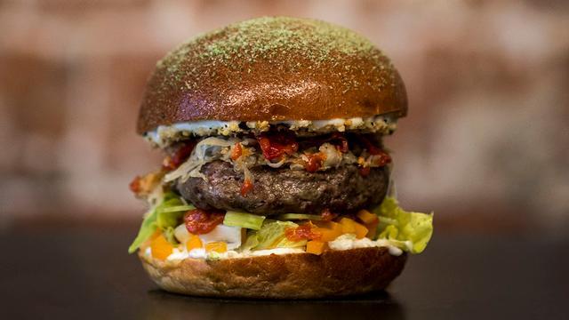 Uber Eats: 'Hamburgers meest bestelde gerecht in Den Haag'