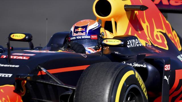 Verstappen start als derde in GP Mexico, Hamilton pakt pole