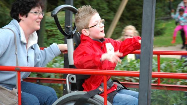 Nog te weinig speelplekken voor gehandicapte kinderen