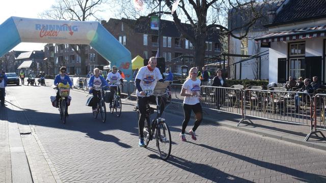 Eerste Run-Bike-Walk brengt 1.555 euro op