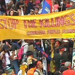 Video: Duizenden Filipijnen protesteren tegen anti-drugsbeleid Duterte