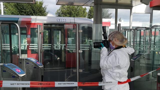 Dode na steekincident op metrostation in Rotterdam