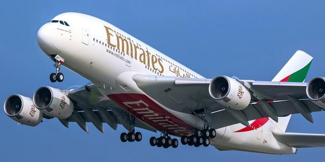 Emirates laat A380 weer naar Amsterdam vliegen vanwege versoepelingen