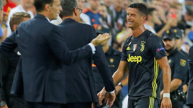 Ronaldo in tranen na eerste rode kaart in Champions League
