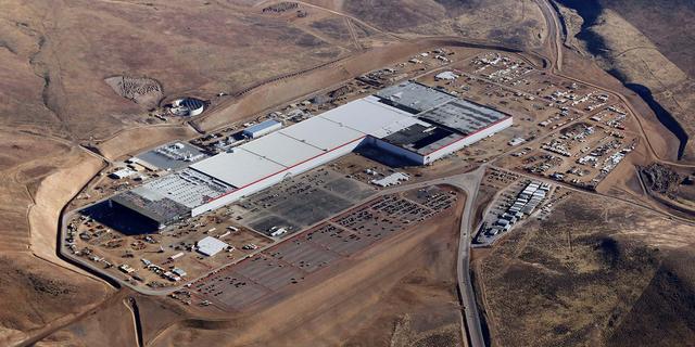 Tesla snijdt flink in personeelsbestand Gigafactory Nevada