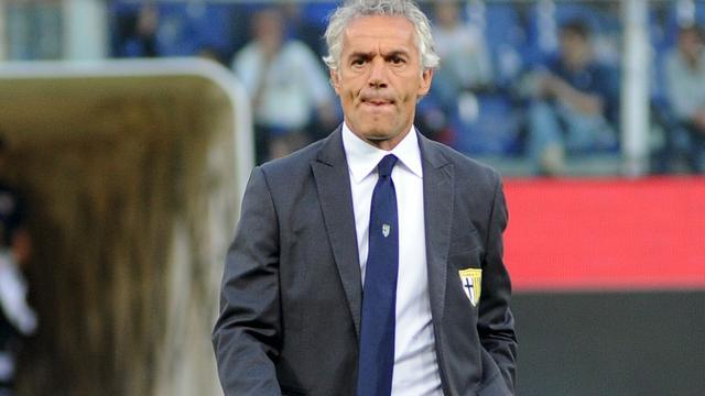 Ex-bondscoach Donadoni volgt ontslagen Rossi op bij Bologna