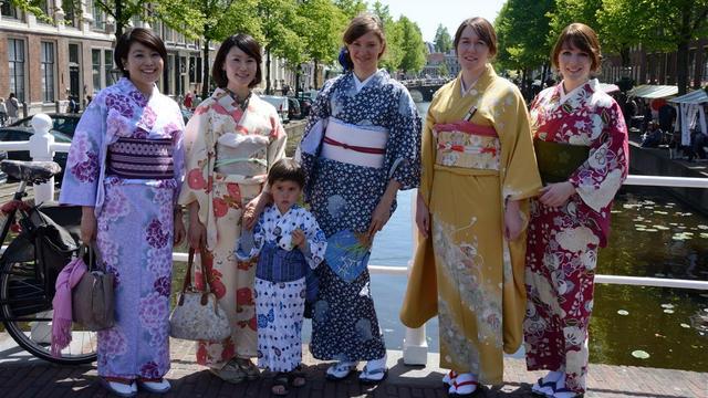 Japanmarkt herdenkt bezoek Japanse Keizer
