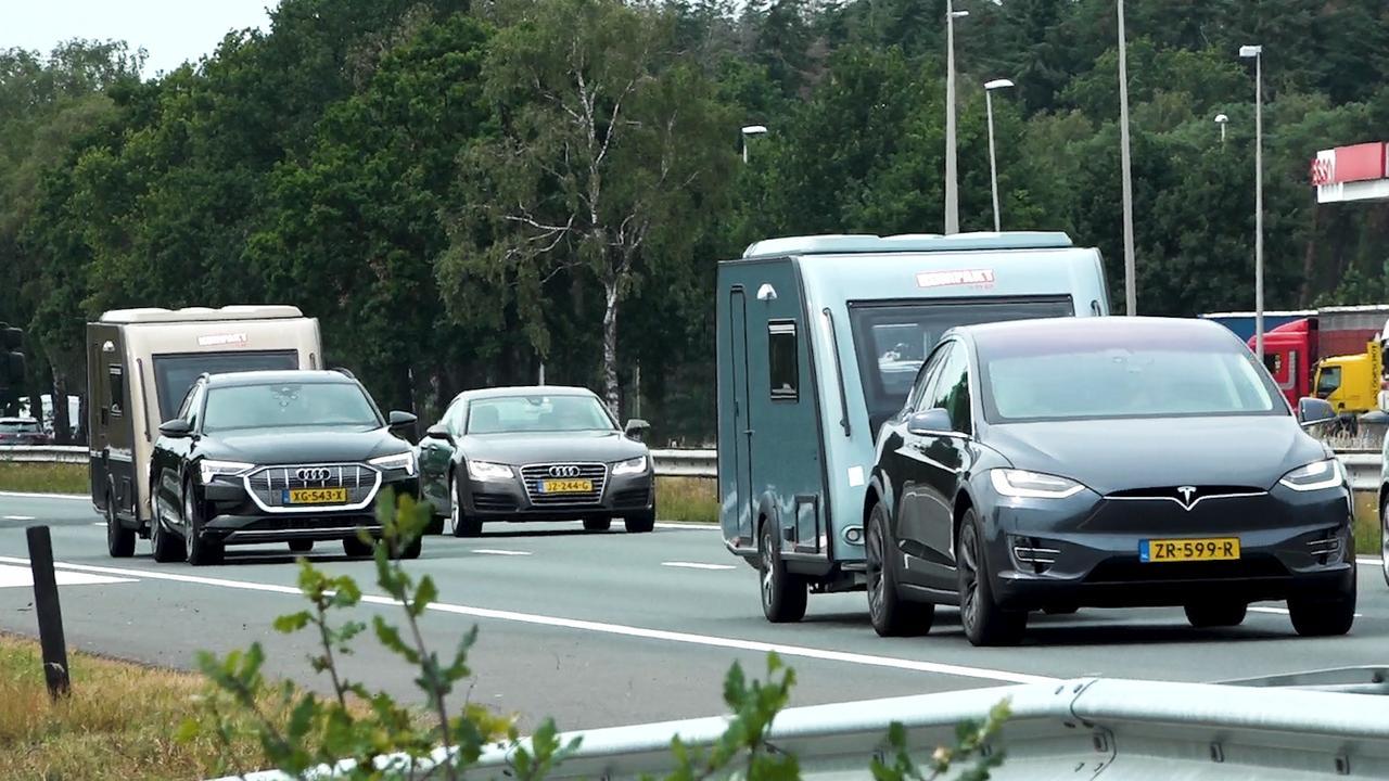 Kan je met elektrische auto én caravan op vakantie?