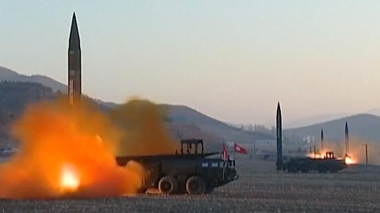 Noord-Korea lanceert vier ballistische raketten