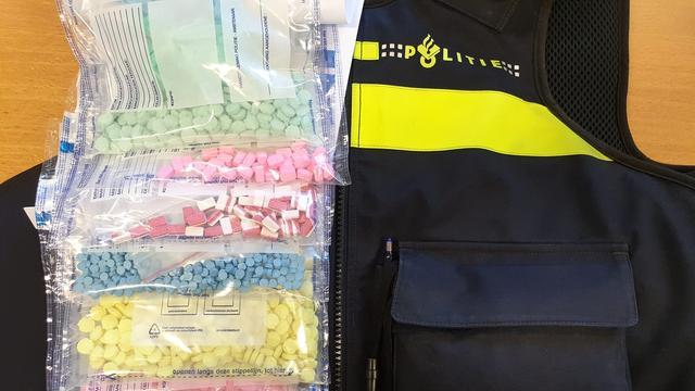 Politie houdt drie verdachten aan na aantreffen drugs in woning Lunetten