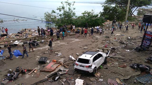 Zeker 48 doden na aardbevingen en tsunami op Indonesisch eiland Sulawesi