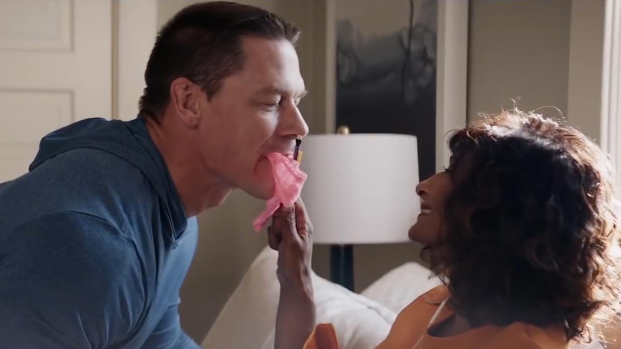 John Cena saboteert eindexamenfeest dochter in trailer Blockers