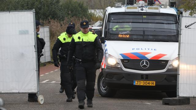 Acht handgranaten gevonden na politie-inval in Brabants woonwagenkamp
