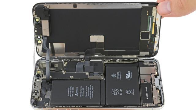 iPhone X heeft dubbele batterij en gestapeld moederbord