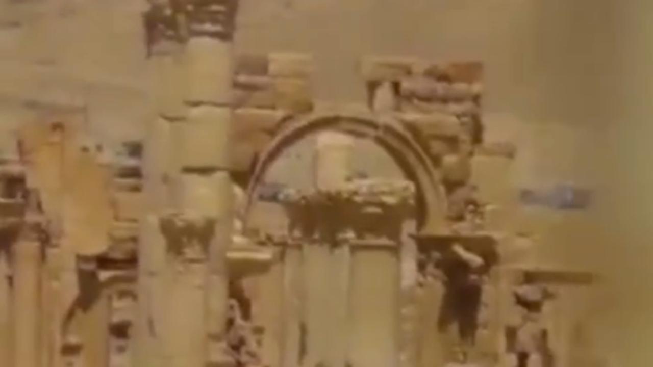 Eerste beelden van verwoeste triomfboog in Palmyra