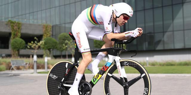 Dumoulin eindigt door fietsproblemen buiten top tien in tijdrit Abu Dhabi