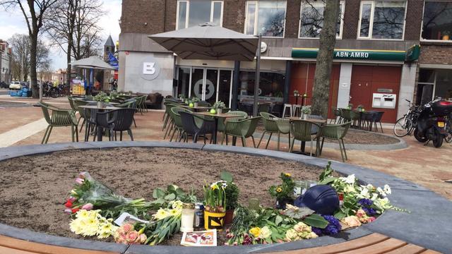 Bloemen en kaarsen na tragisch ongeval Adriaen van Ostadelaan