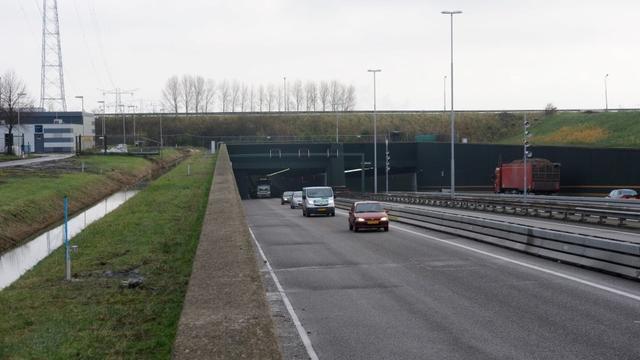 Vlaketunnel vrijgegeven, storing nog niet verholpen