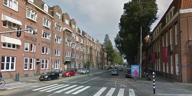 Vier gewonden door botsing tussen taxi, bus en tram in Amsterdam