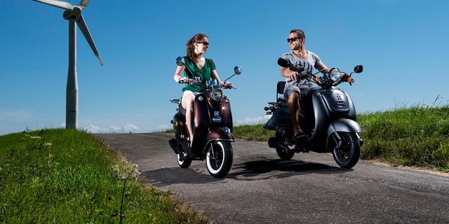 Investeerder steekt miljoenen in grootste Nederlandse scooterproducent