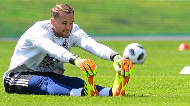 Löw heeft op WK alle vertrouwen in 'wendbare en charismatische' Neuer