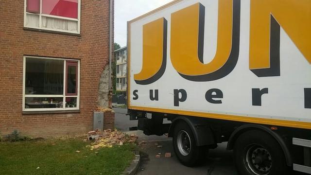 Jumbo-vrachtwagen rijdt in op Utrechts studentenhuis