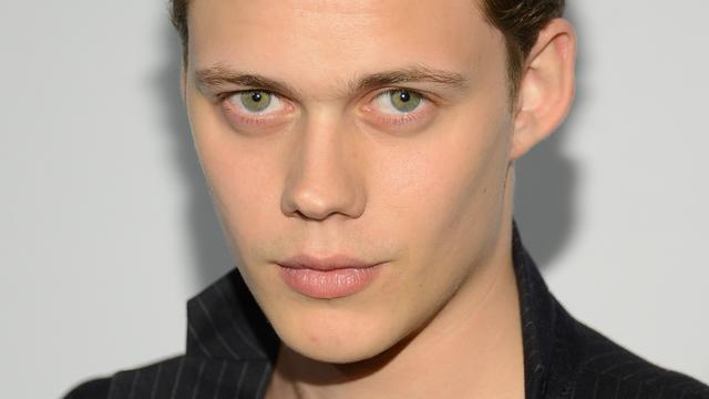 Hemlock Grove-acteur Bill Skarsgård speelt clown in remake It