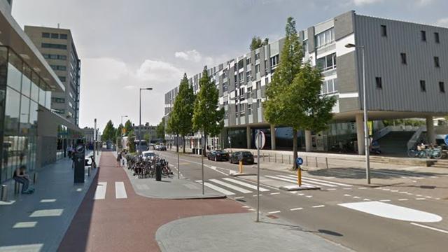 Voetganger (66) zwaargewond door aanrijding Buitenveldert