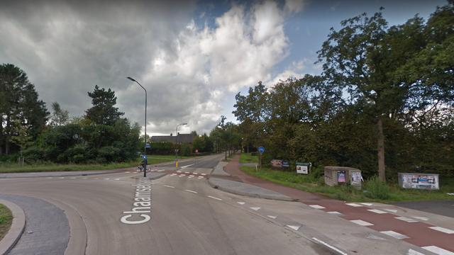 Twee auto's in botsing op rotonde in Ulvenhout