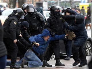 In Minsk zijn mensen opgepakt die zich solidair verklaarden met de protesten