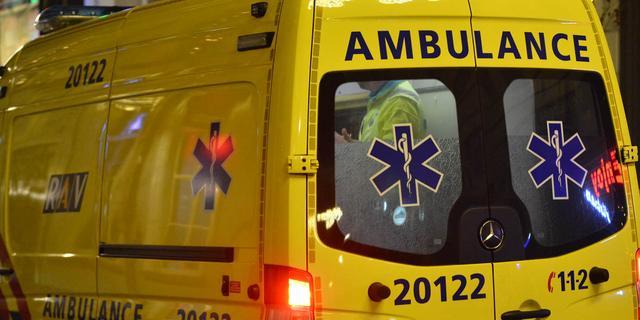 Man overleden na frontale botsing tussen twee auto's bij Coevorden