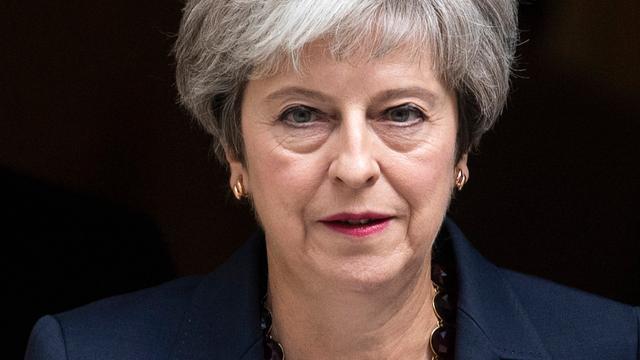 Brits Lagerhuis wijst motie van wantrouwen tegen regering-May af