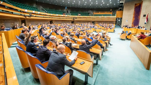 Tweede Kamer eist actie kabinet na inval Turkije