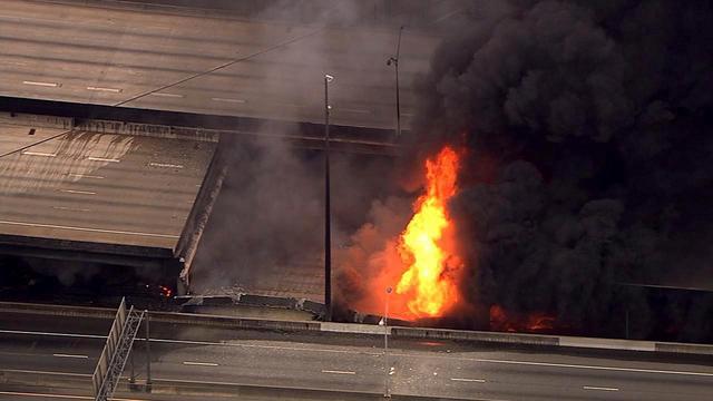 Snelweg in Atlanta stort in door brand onder brug