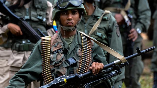 Militairen Venezuela blokkeren overgang van hulpgoederen