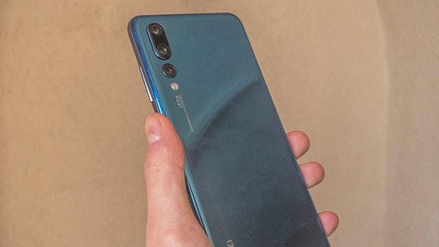 Huawei presenteert smartphone met drie camera's op de achterkant
