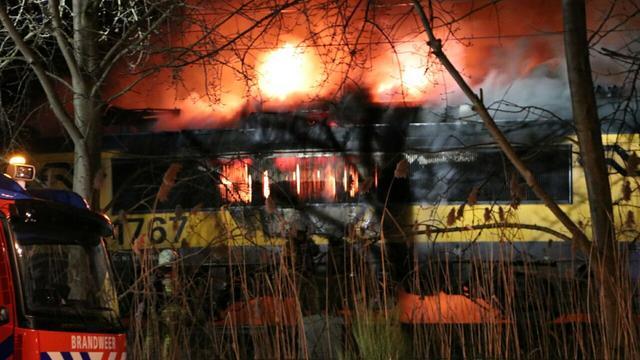 Inzittenden veilig na brand in trein Enschede