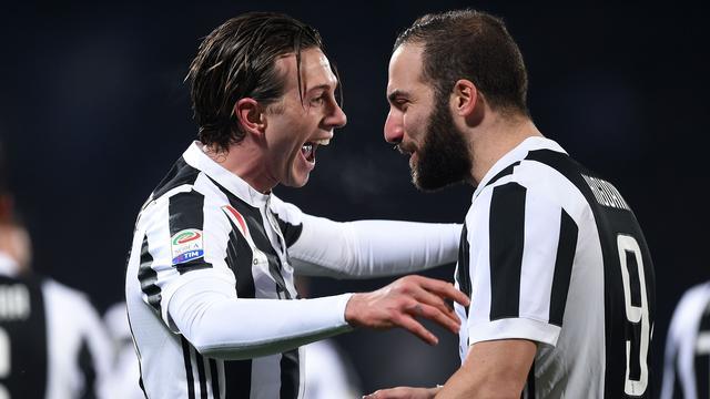 Juventus aan kop na moeizame winst bij Fiorentina in jubileumduel Buffon