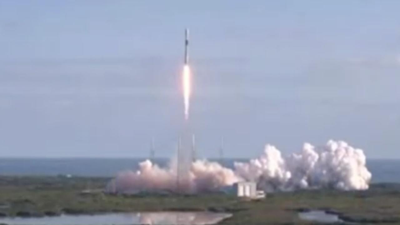 SpaceX schiet zestig satellieten de ruimte in