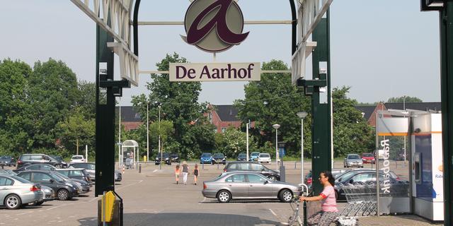 Overkapping van Aarhof bij Aarplein tijdelijk verwijderd