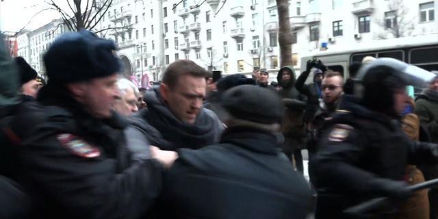 Russische oppositieleider weer vrij na arrestatie tijdens demonstratie