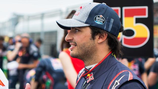 Drie plekken gridstraf voor Sainz in Azerbeidzjan na crash in Canada