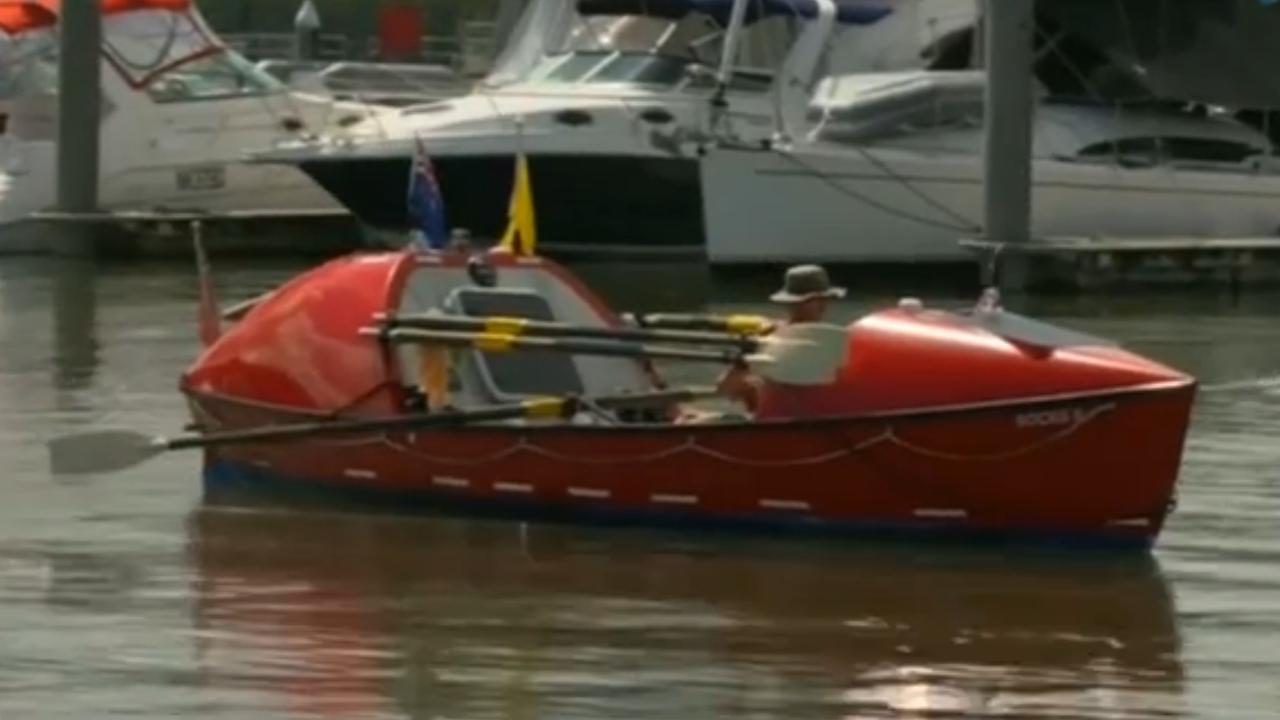 Britse man roeit de Grote Oceaan over en bereikt Australië