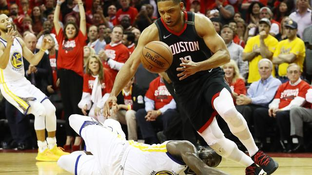 Rockets na derde zege op Warriors één overwinning verwijderd van NBA-finale