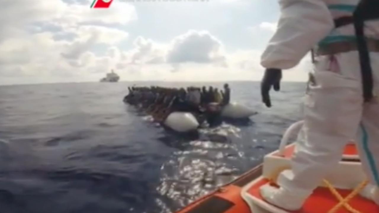 Italiaanse kustwacht redt 7.100 vluchtelingen op zee