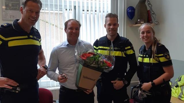 Vrouw die van zes meter hoog viel bij IJburg werd gered door buurman