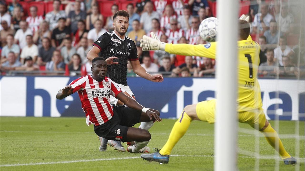 Ajeti schiet Basel op gelijke hoogte met PSV